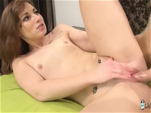 La Cochonne - French beginner tongues spunk in sizzling rectal debut