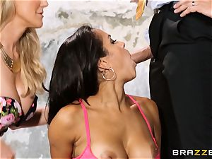 Brandi enjoy lets ho-bo Abbey Lee Brazil pound her boy