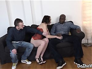 wife Lindsey finds a thick ebony shaft in her backside