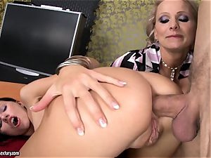 Sasha Rose gets her spectacular butt jammed by a pulsing cock