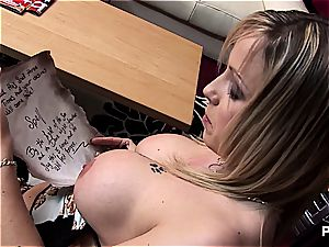 Minx with phat baps gets pounded