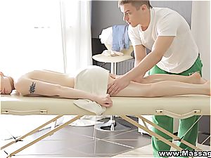 rubdown X - Lola Taylor- hook-up on a folding massage table