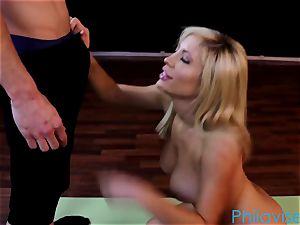 PHILAVISE Tasha Reign has a uber-sexy yoga session