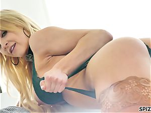Spizoo - watch nubile Alix Lyn inhaling a enormous wood
