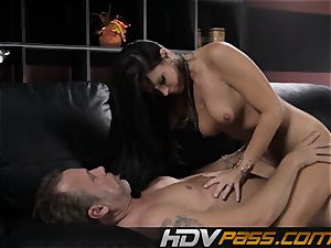 brown-haired honey India Summer smashes with lust in livingroom