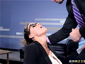 Peta Jensen gives her client some serious fuckfest therapy