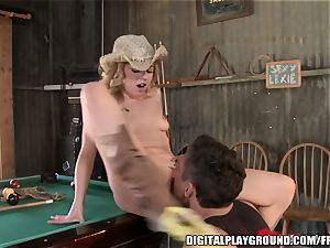 Bar super-bitch with an mischievous caboose pulverizes the owners sonny on cam