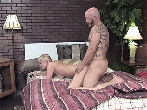 Vanessa gets her raw pussy romped on the bed