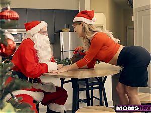 Santa's insatiable Helpers In Christmas threesome S9:E7
