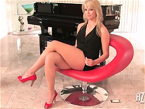 blond sweethearts dildoing their wet vaginas