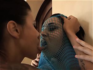 SEXYMOMMA - Charley and Dana Vespoli super hot hook-up