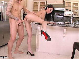 Jessica Jaymes tries her lover's meatpipe plugged deep in her sensation fuck-hole