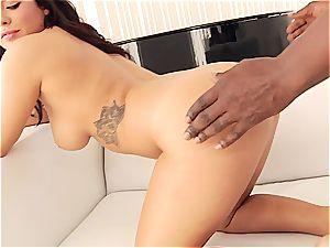 Keisha Grey rails bbc with her ample booty
