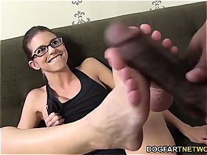 foot fetish babe Brooklyn chase satisfies big black cock