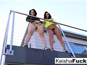 jaw-dropping Keisha shares Mr. Pete's weenie with Yhivi