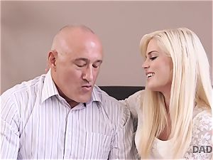 DADDY4K. nubile Candee Licious copulates with bf s marvelous daddy