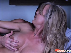 cougar Brandi enjoy secretly deep throating man meat