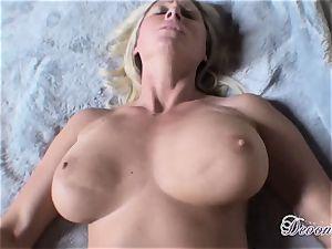 Devon Lee loves the monster muscle ravaging her cunt real supreme