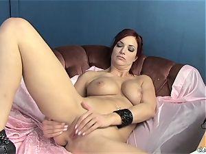sensual Jayden Cole likes teasing her sugary-sweet humid bud