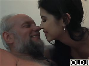 girl Dee nubile beaver tonguing And poke with sloppy facial cumshot