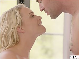 Mia Malkova seducing her warm renter