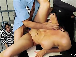 Romi Rain - My hubby should know how to penetrate a real folks