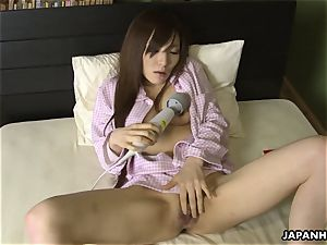 japanese wifey plaything penetrating her cootchie before sleep