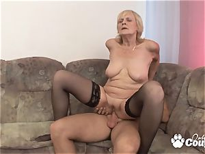 Mature blonde nailing and gets facial cumshot