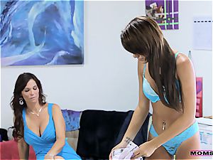 MomsTeachSex gobbling jizz from her stepmoms cootchie