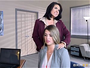 Mean chief Eva Angelina humps Jenna Ashley with rope on cock