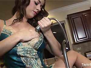 Taylor Vixen plays with her cootchie in the kitchen drown